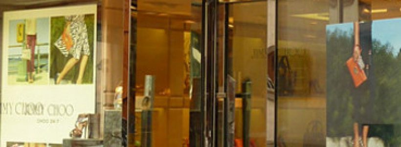 JIMMY CHOO apre una boutique a St. Moritz.