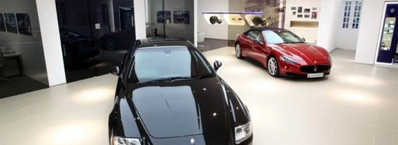 FERRARI e MASERATI aprono un nuovo showroom a Hong Kong.