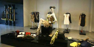 MANGANO festeggia l'apertura di un nuovo showroom direzionale.