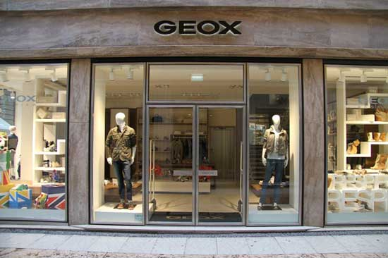 Geox riapre il flahship di verona an arredamento negozi for Negozi di arredamento verona