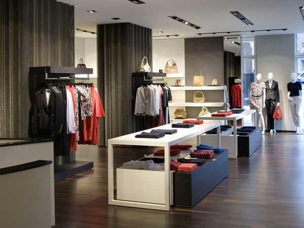 Strenesse sbarca a verona an arredamento negozi retail for Negozi arredamento verona