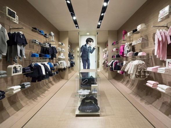 Armani junior roma an arredamento negozi retail design for Negozi arredamento design milano