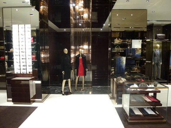 Gucci apre a palermo an arredamento negozi retail for Piani di garage con lo spazio del negozio