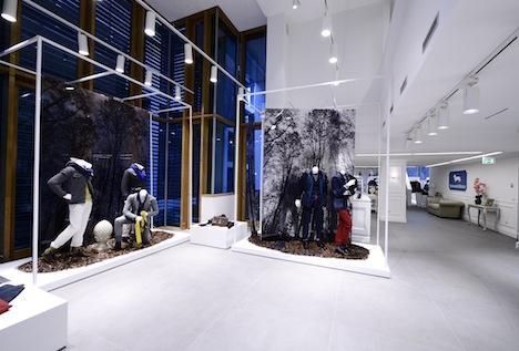 Harmont blaine nuovo show room a milano an for Negozi di arredamento del distretto di design dallas