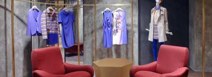 IBlues opens its first Parisian store.