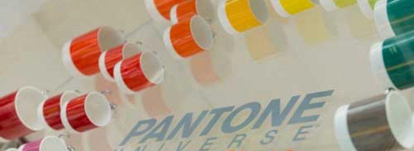 PANTONE Concept Store colora Milano.