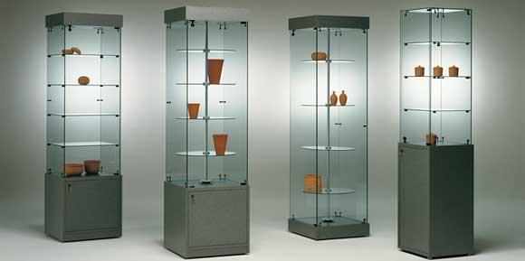 Mec vetro e vetrine an arredamento negozi retail for Vetrine in cristallo arredamento