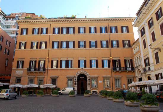 Valentino To Open New Flagship Store In Rome