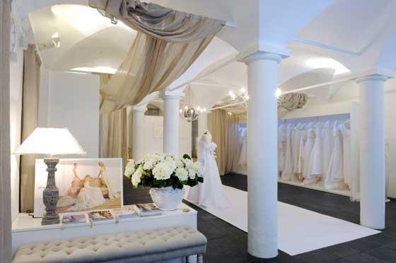 Mariage hautecouture bergamo an arredamento negozi for Negozi di arredamento bergamo