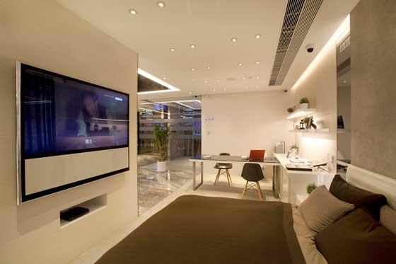 pccw hkt clifton leung design workshop 3 an shopfitting magazine. Black Bedroom Furniture Sets. Home Design Ideas