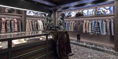 MONCLER apre la seconda boutique a Parigi.