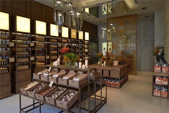Nashi argan in via dante a milano il concept store dei for Store design milano