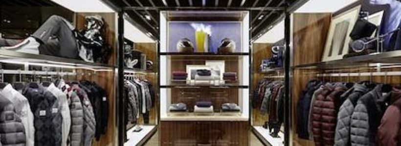 A Parigi il primo store MONCLER dedicato all'uomo.