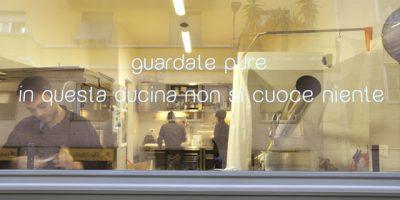 MANTRA, a Milano il primo ristorante raw vegan (vegano crudista) d'Italia.