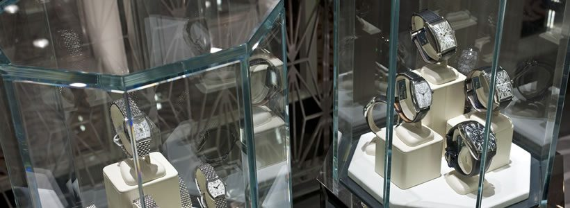 II BY IV DESIGN firma la gioielleria FACETS a bordo della nave da crociera Crystal Cruises Serenity
