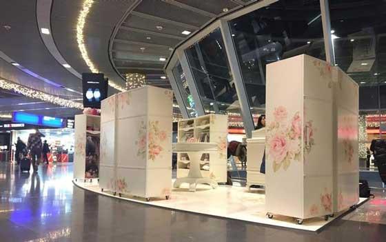 Monnalisa temporary store aeroporto Francoforte