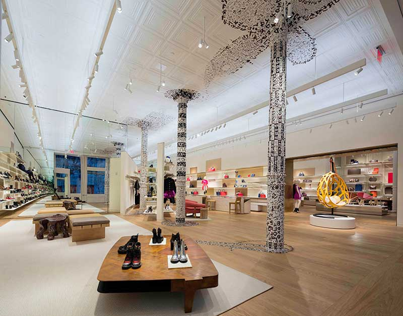 Louis Vuitton boutique galleria Soho