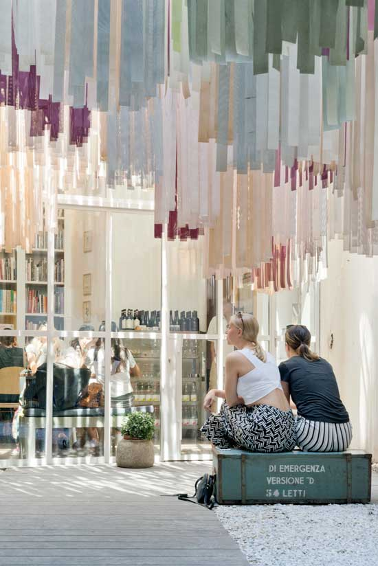 Retail Design Deferrari Modesti Brac Book Store Florence