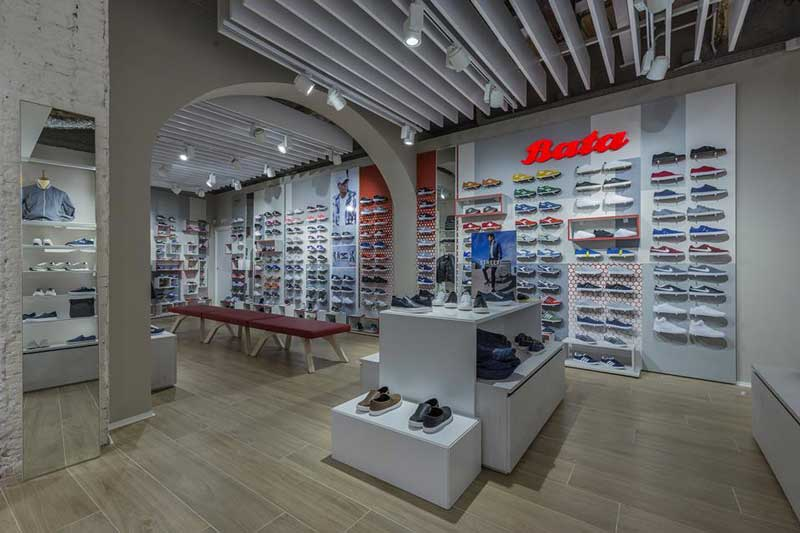 Bata restyling store Bologna