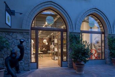 The Creative Spot Fidenza Village pop up store design moda