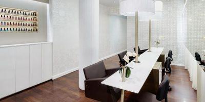 HI-MACS® per l'elegante centro estetico Vanitas Espai di Barcellona.