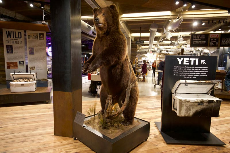 Yeti flagship store lauckgroup retail design