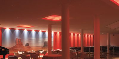 B LIGHT illumina l'Hotel Coronado a Mendrisio.