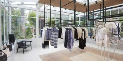 A Saint Tropez la summer boutique di CHANEL.