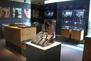 Daniel Wellington flagship store Malpensa