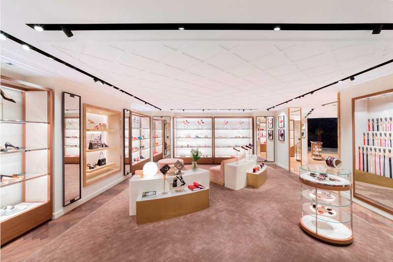 Salvatore Ferragamo negozio Singapore Ion Orchard