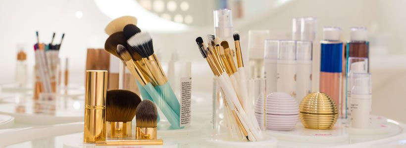 A Mykonos il primo flagship store Wakeup Cosmetics Milano.