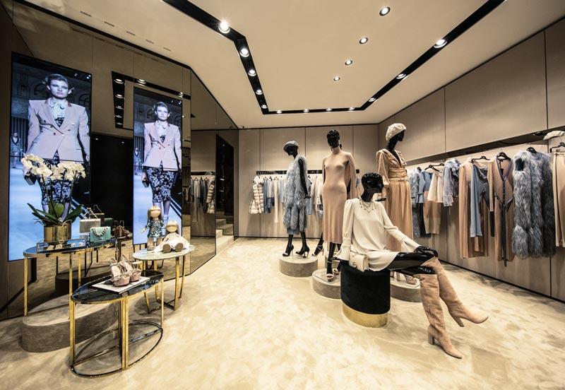 sviluppo retail Elisabetta Franchi boutique Napoli