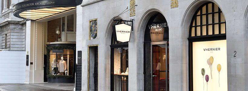VHERNIER, marchio italiano di alta gioielleria, ha aperto a Londra la sua prima boutique monomarca.
