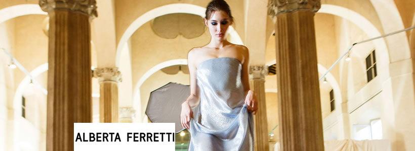 Alberta Ferretti apre la prima boutique monomarca a Dubai.
