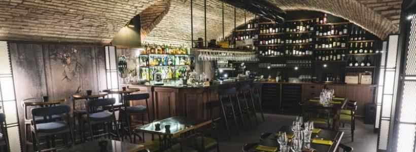 Tommaso Guerra firma l'interior design del ristorante Stilelibero di Roma.