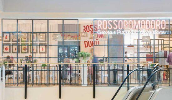 HIT arcHITects: una food court di nuova concezione per il Centro commerciale Campo dei Fiori di Gavirate