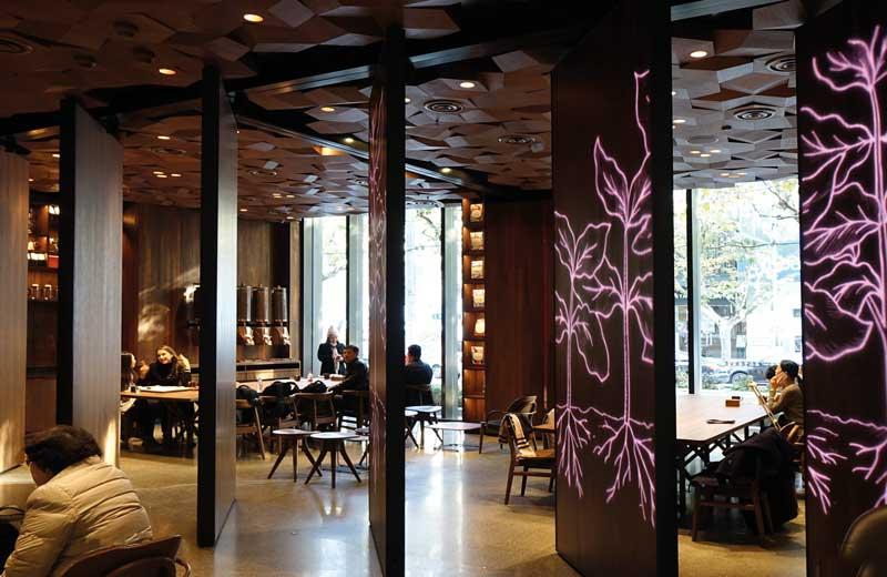Porte Pivotanti FritsJurgens per Starbucks Shanghai