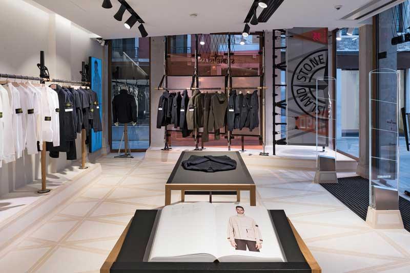 Il design dei negozi Stone Island