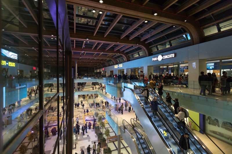 Apertura Centro Commerciale Aura