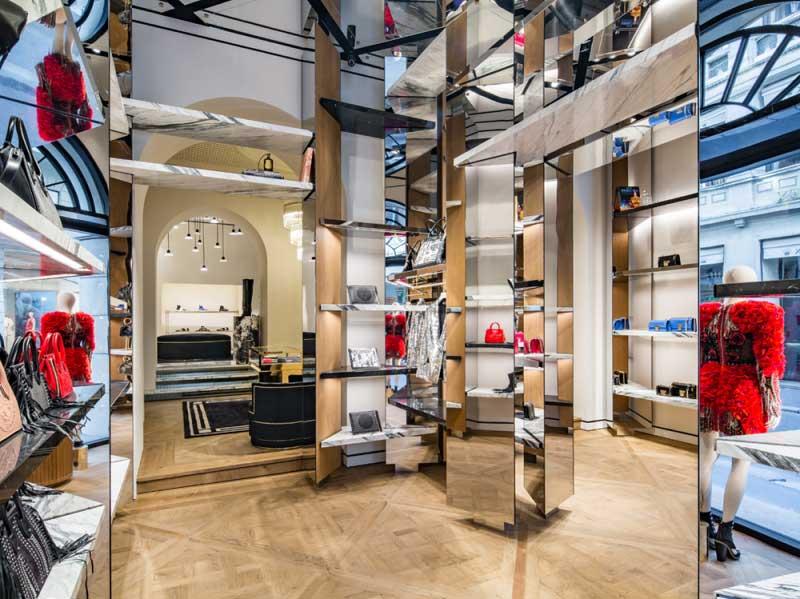 Balmain negozio Milano via Montenapoleone