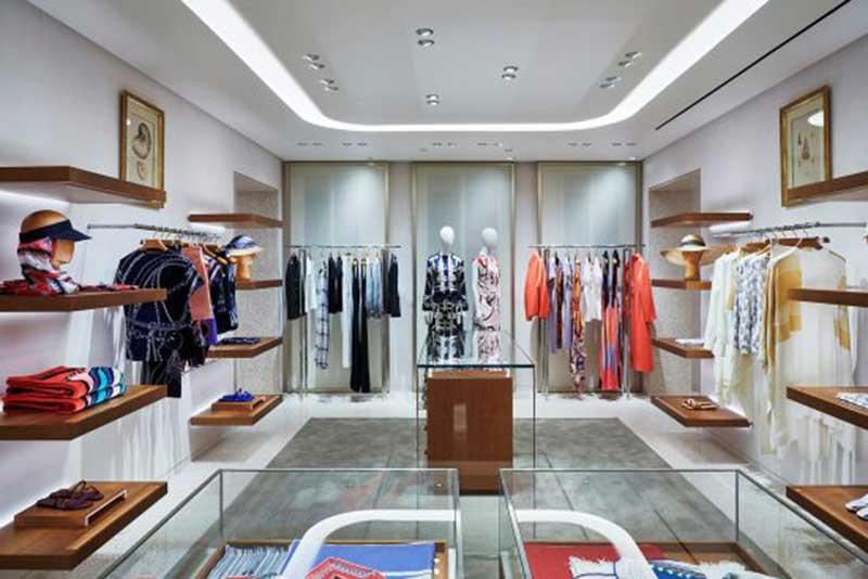 Hermes riapre completamente ristrutturata la boutique di Venezia