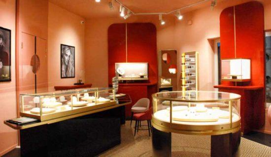 Pomellato inaugura un nuovo store a Porto Cervo.