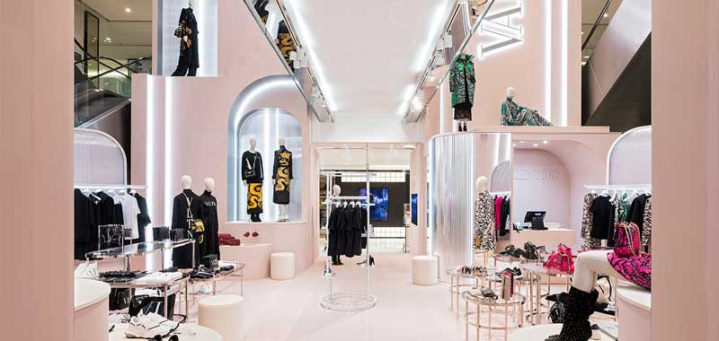 valentino pop up store printemps parigi