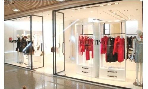 REDValentino ha aperto un nuovo flagship store monomarca a Bari