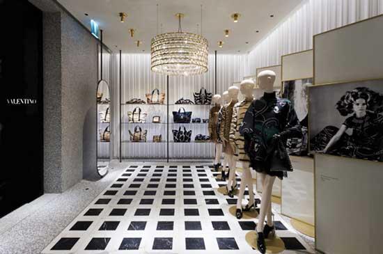 VALENTINO presenta il nuovo concept retail firmato da David Chipperfield