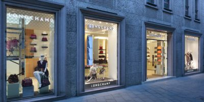 LONGCHAMP apre la sua prima boutique in Italia.
