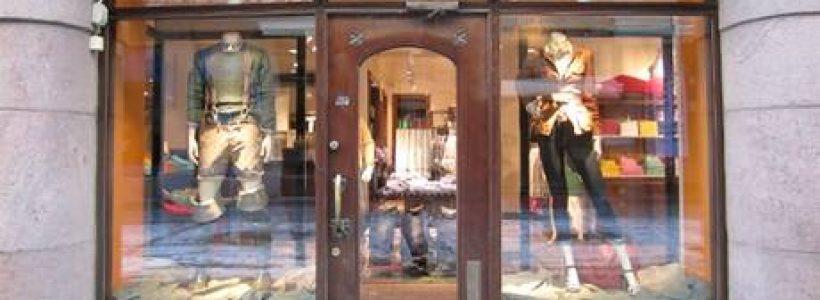 TOMMY HILFIGER: primo flagship store a Helsinki.