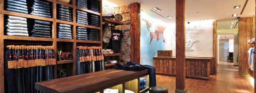 TRUE RELIGION: primo monomarca in Spagna.