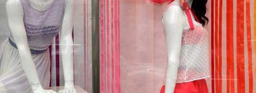 AMERICAN APPAREL: vetrine firmate Lena Shockley.