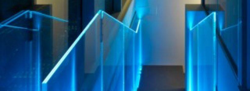 LUMINA, la balaustra che disegna gli spazi con la luce.